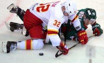 Kuldas pārstāvētā 'Jokerit' rezultatīvā KHL mačā uzveic 'Traktor'