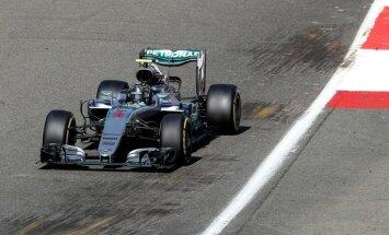 Rosbergs uzvar Beļģijas 'Grand Prix' kvalifikācijā