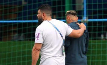 Neimars, uztraucoties par iespējamo savainojumu, pametis Brazīlijas izlases treniņu