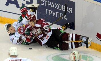 Rīgas 'Dinamo' piedzīvo pirmo zaudējumu sezonā pamatlaikā