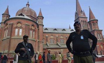 Trampa tvīta dēļ Pakistāna izsauc ASV vēstnieku