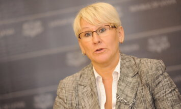 LM valsts sekretāri Jaunzemi pārceļ uz EM