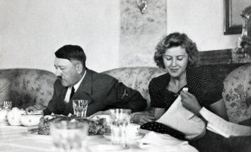 Альбом с личными фотографиями Гитлера продан за 41 тыс. долларов