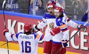 Video: Ovečkins atsteidz palīgā un ieved Krieviju finālā