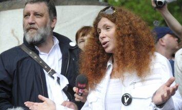 Opozicionārā 'Novaja gazeta' žurnāliste Latiņina pametusi Krieviju