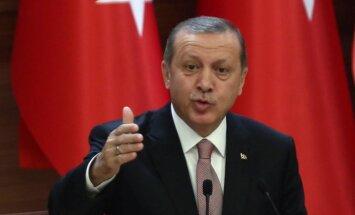 Erdogans pieļauj militāru vēršanos pret Sīrijas un Irākas kurdiem