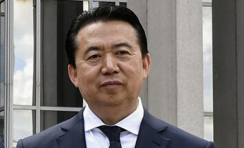 Ķīna apstiprina Interpola prezidenta Honvei aizturēšanu