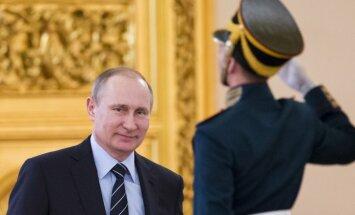 СМИ сообщили об отказе Путина повышать налоги