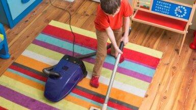 Почему нельзя мыть пол вечером и другие народные приметы про уборку