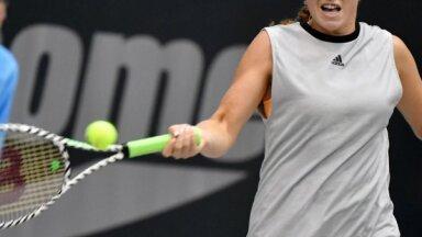 Izcilā Ostapenko pārliecinoši iekļūst Luksemburgas turnīra pusfinālā