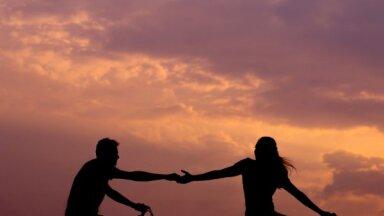 Kāpēc mēs paliekam nelaimīgās attiecībās
