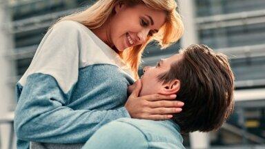Vienkārši veidi, kā parādīt mīlestību bez vārdiem
