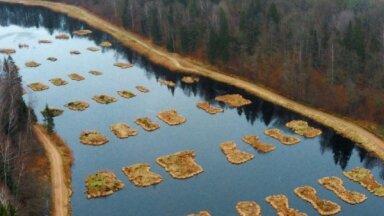 Septiņas ūdenstilpes Latvijā, kas vilina ar savu savdabību