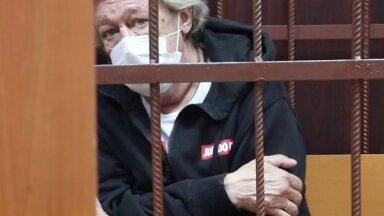 Адвокат Ефремова рассказал о борьбе за деньги в семье погибшего водителя