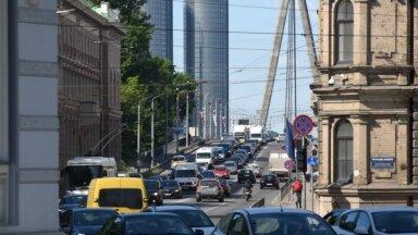 Vairāk nekā puse Latvijā reģistrēto lietoto automašīnu – 11 līdz 29 gadus vecas