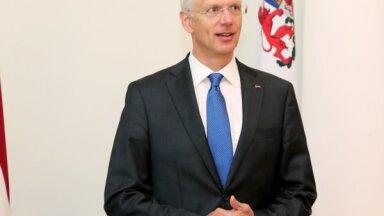 Autoratlīdzību regulējums tiks uzlabots, pavēsta Kariņš