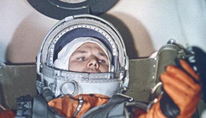 1961 год: Люди в космосе, Берлинская стена, социалистический облик Риги