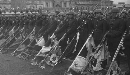 1945. gads: Vācijas kapitulācija, atombumbas pār Japānu, beidzas Otrais pasaules karš