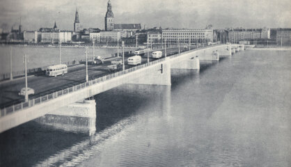 1957. gads: Atklāts Akmens tilts, orbītā dodas Laika