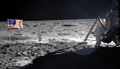 1969. gads: Cilvēki izkāpj uz Mēness, Jans Palahs pašaizdedzinās, Latvijā orkāns