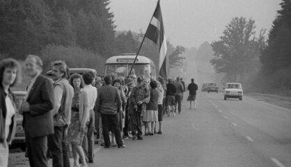 1989. gads: Baltijas ceļš, paziņojums par stāvokli Baltijas padomju republikās, 'Čikāgas piecīši' beidzot Latvijā