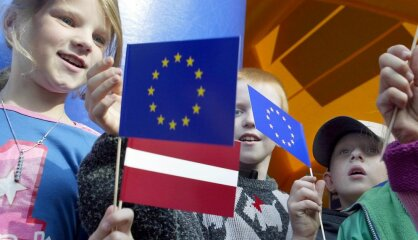 2004 год: Латвия возвращается в Европу, Facebook меняет мир