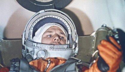 1961. gads: Pirmie cilvēki kosmosā, Berlīnes mūris, Rīga iegūst 'sociālistiskus' vaibstus