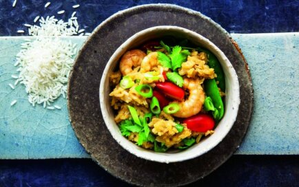 Rīsu wok ar garnelēm