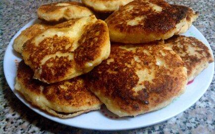 Biezpiena un zemesriekstu sviesta biezās pankūkas