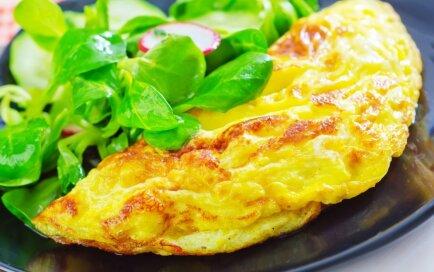 Omlete ar sieru un sīpoliem