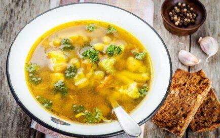 Суп из цветной капусты и брокколи с клецками