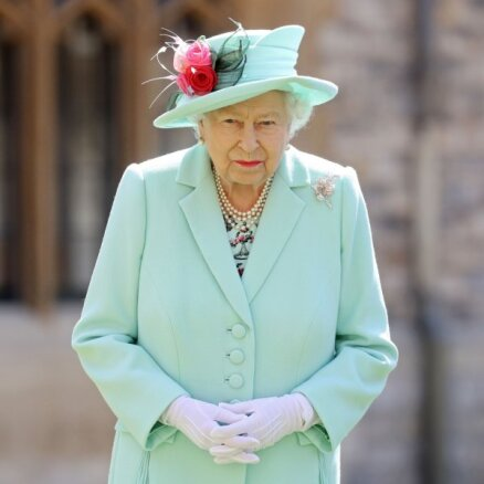 Елизавета II отреагировала на рождение дочери принца Гарри и Меган Маркл