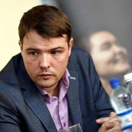 Klauss: banku nevēlēšanās veikt transakcijas sāk ietekmēt iespējas veikt biznesu ar Baltkrievijas mežu nozari