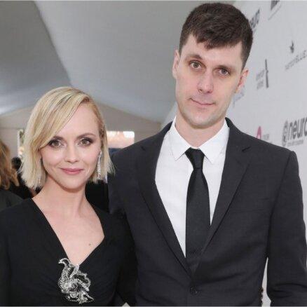 Pēc septiņiem laulības gadiem vīru pamet aktrise Kristīna Riči