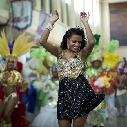 shubah-goloe-brazilskiy-karnaval-nagishom