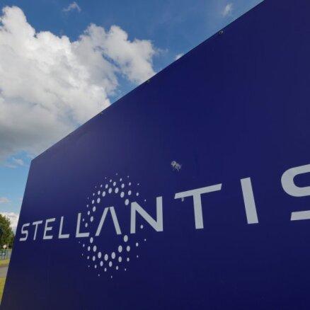 Pusvadītāju deficīta dēļ 'Stellantis' uz laiku apturēs ražošanu Vīnes rūpnīcā