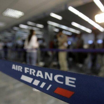 СМИ: в отсеке шасси самолета Air France обнаружили тело мальчика
