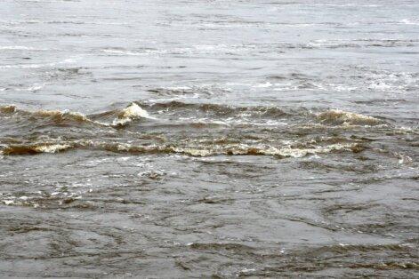 Из-за повышения уровня воды в Мусе и Мемеле сломался мост