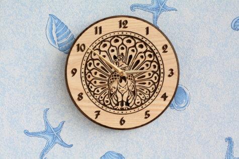 Эти крутые деревянные часы (и не только) ручной работы делают и продают… в Лиепае!