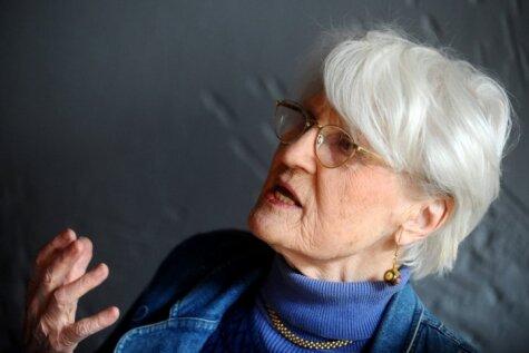 Džemma Skulme un citas seksīgas sievietes vecumā pēc 80