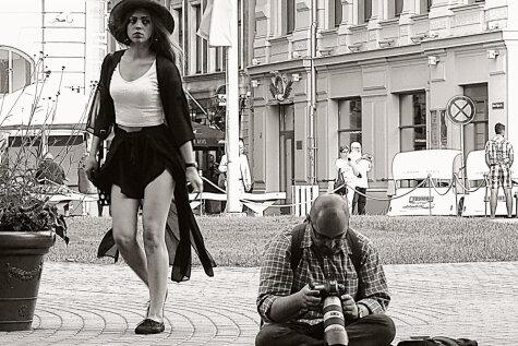 Рижское стрит-фото: 10 снимков с историями (+автор хочет комментарии зрителей!)