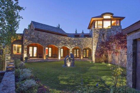 Māja, kurā dzīvo bagātākā melnādainā sieviete Amerikā