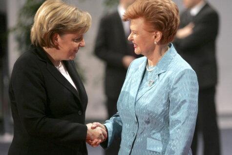 А чего с вами знакомиться, вы каждый раз новые, или Кого Ангела Меркель не найдет в Риге