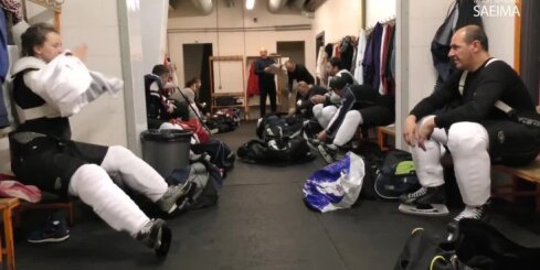 Hokeja draudzības spēle Latvijas Republikas Saeima pret Latvijas Valsts policiju