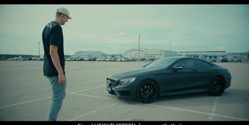 Kristaps Porziņģis saņem savu tūnēto 'Mercedes'
