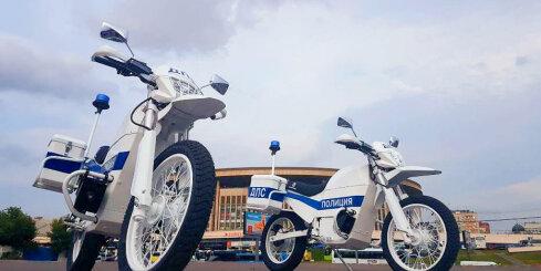 'Kalašņikov' uz 'Iž' bāzes radījis elektrisku motociklu policijai