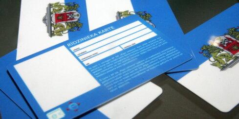 Rīgas sabiedriskajā transportā sāk darboties laika biļetes