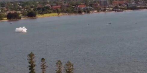 Austrālijā aviošova laikā nokrīt lidmašīna