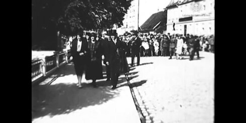 Arhīva video: Jāņa Čakstes pieminekļa atklāšana Jelgavā, 1930. gads