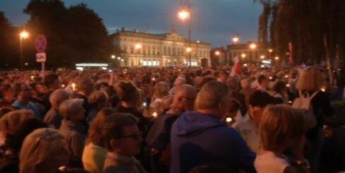 Polijā tūkstoši protestē pret tieslietu sistēmas reformām